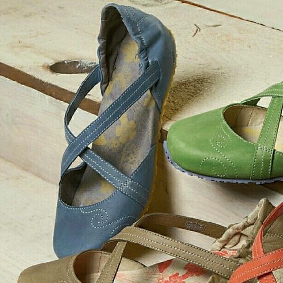 9e994fc56ff Ahnu Shoes - AHNU KARMA SIZE 9 BLUE YOGA-INSPIRED FLATS